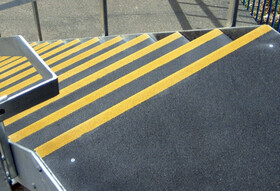 Protection Antid Rapantes Pour Marches D 39 Escalier Rust Oleum Supergrip F H Engel Ag